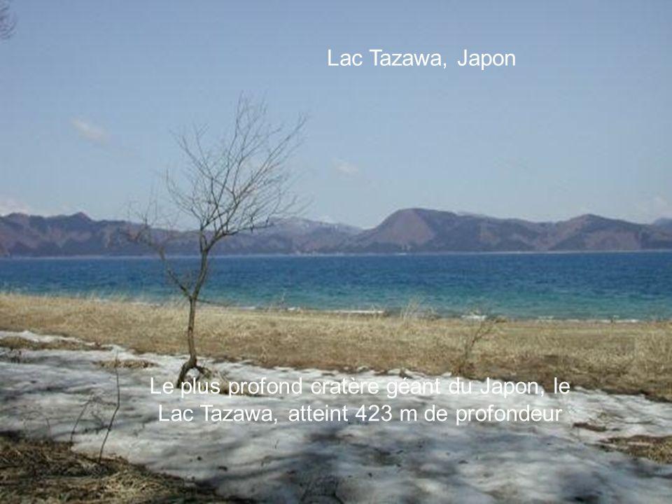 Lac Tazawa, Japon Le plus profond cratère géant du Japon, le Lac Tazawa, atteint 423 m de profondeur.