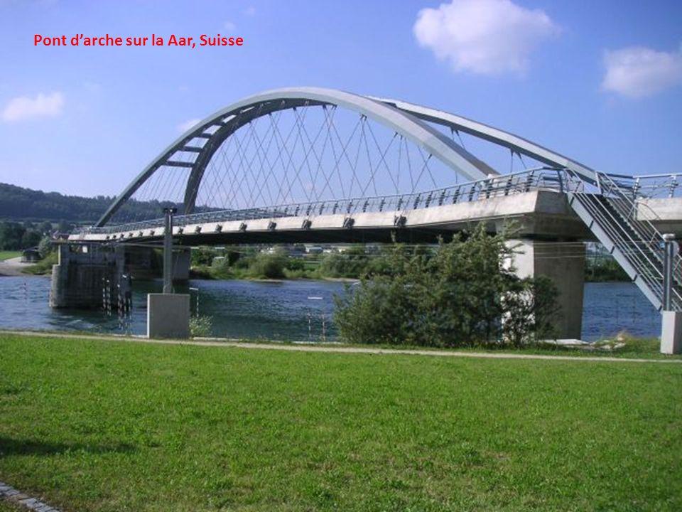 Pont d'arche sur la Aar, Suisse