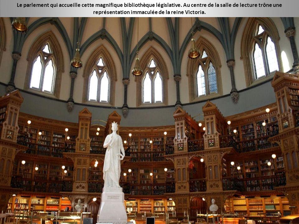 Le parlement qui accueille cette magnifique bibliothèque législative