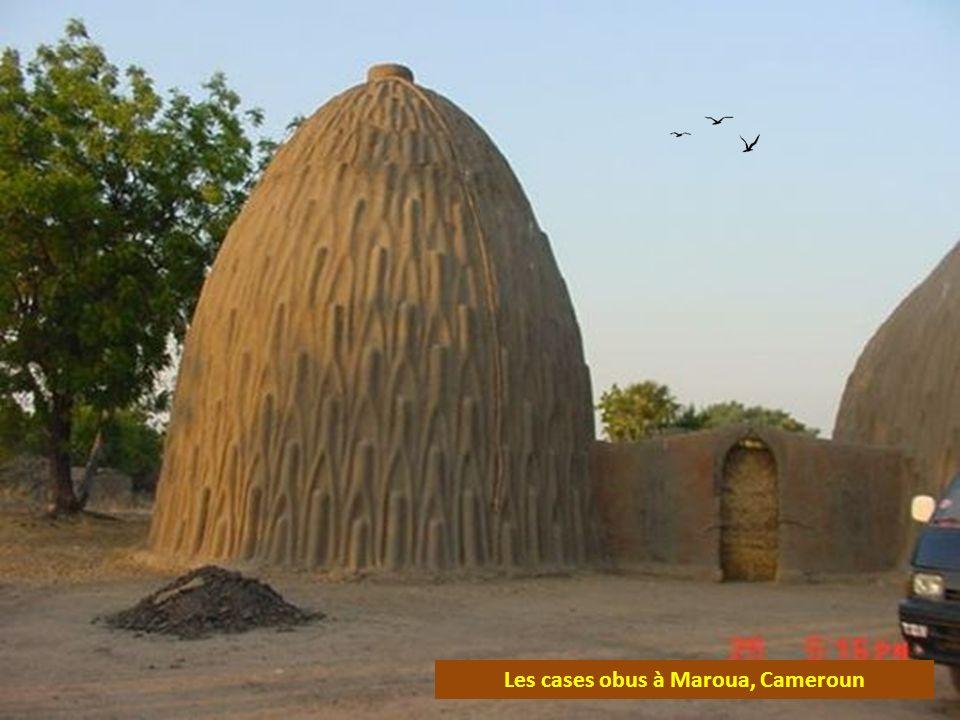 Les cases obus à Maroua, Cameroun