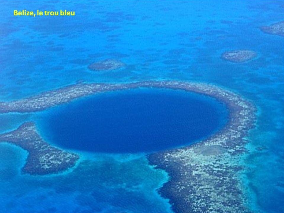 Belize, le trou bleu