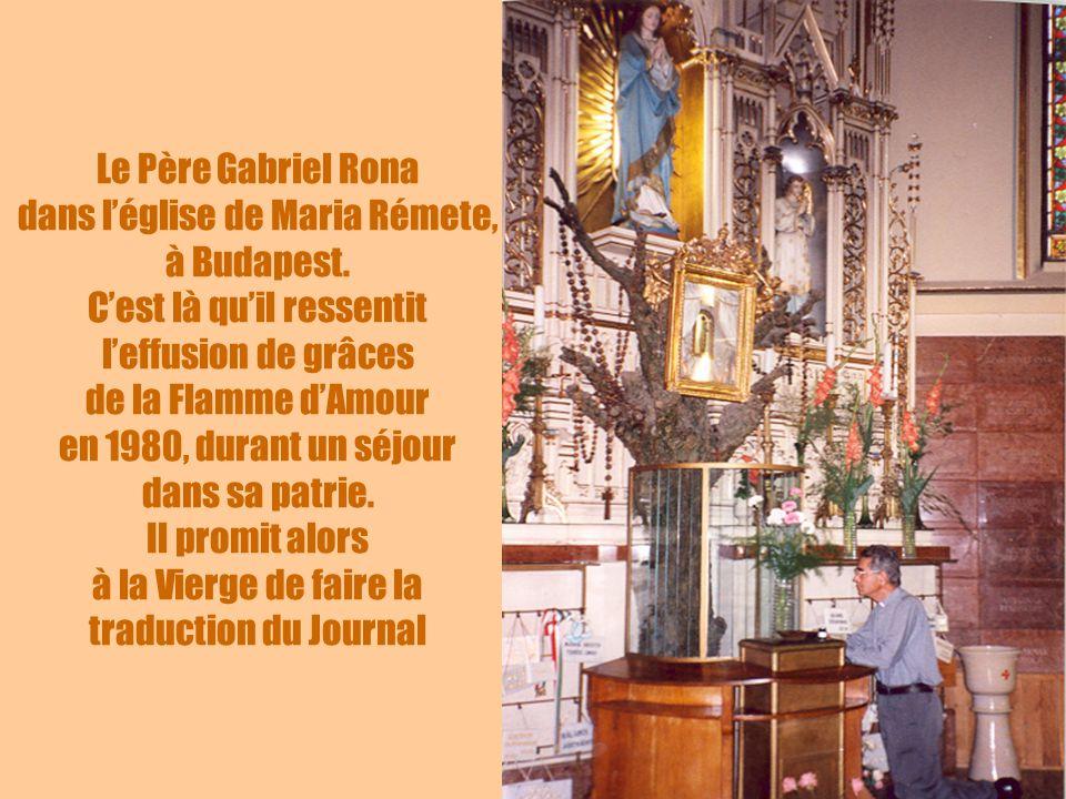 Le Père Gabriel Rona dans l'église de Maria Rémete, à Budapest