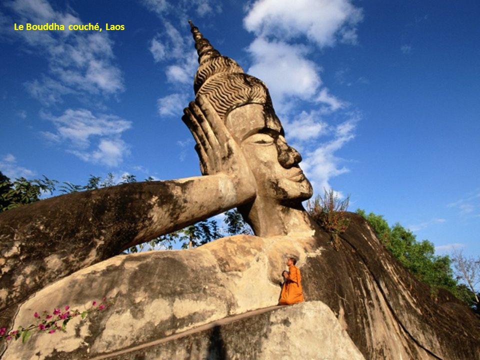 Le Bouddha couché, Laos