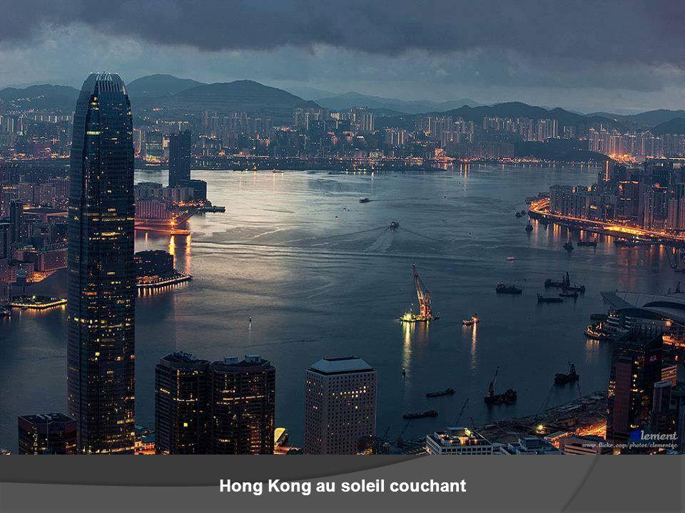 Hong Kong au soleil couchant