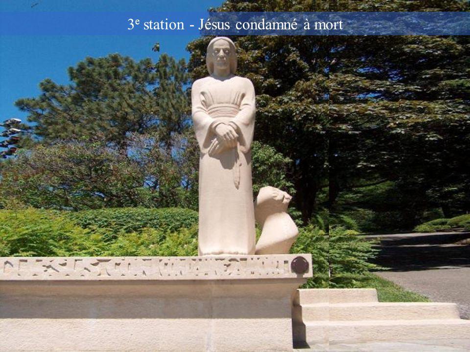 3e station - Jésus condamné à mort