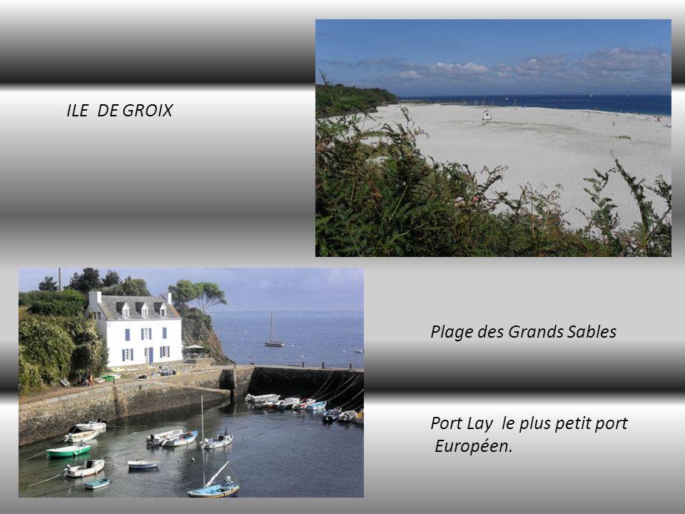 ILE DE GROIX Plage des Grands Sables Port Lay le plus petit port Européen.