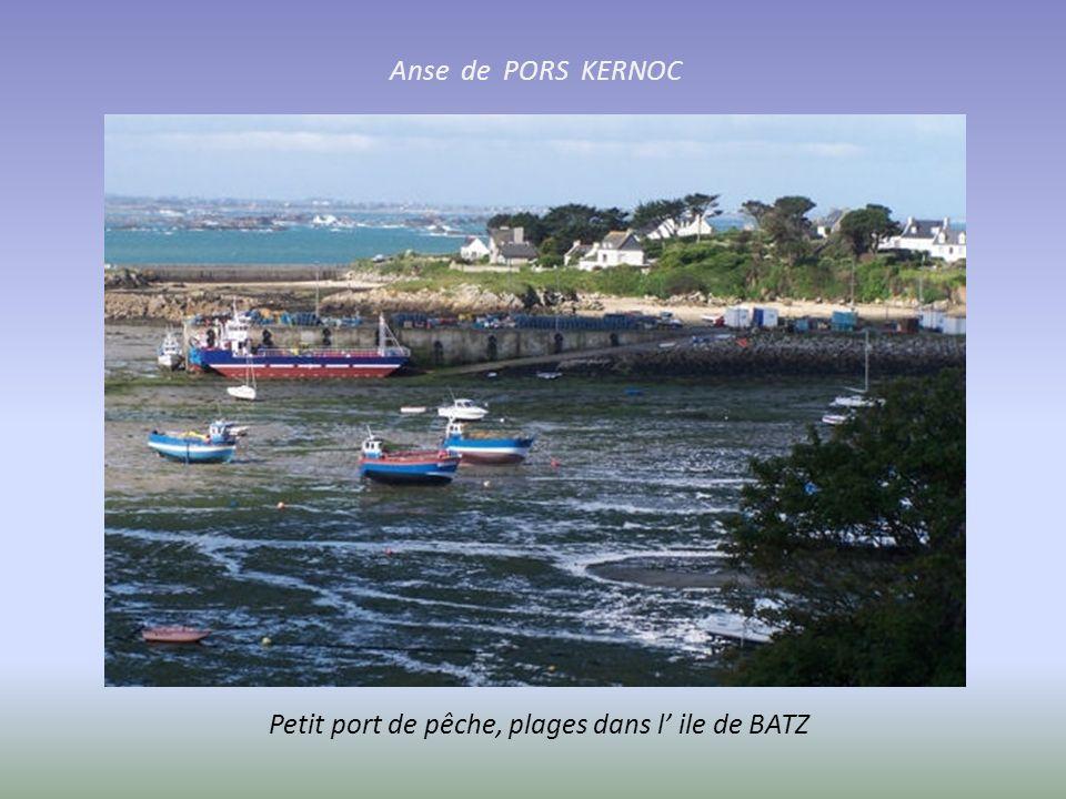 Anse de PORS KERNOC Petit port de pêche, plages dans l' ile de BATZ