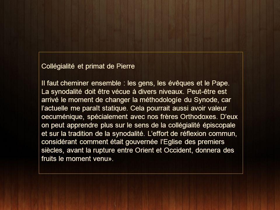 Collégialité et primat de Pierre