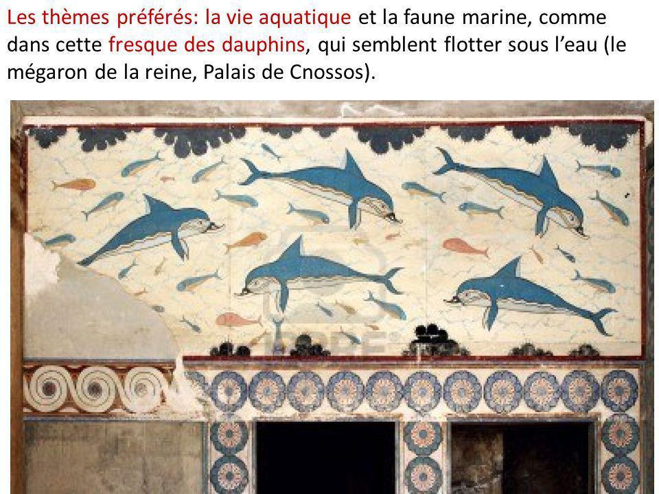 Les thèmes préférés: la vie aquatique et la faune marine, comme dans cette fresque des dauphins, qui semblent flotter sous l'eau (le mégaron de la reine, Palais de Cnossos).