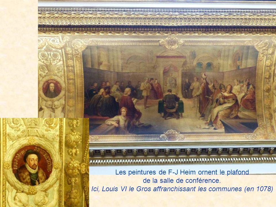 Les peintures de F-J Heim ornent le plafond de la salle de conférence