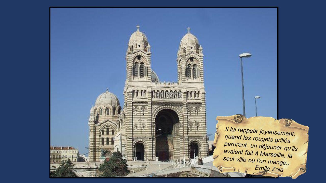 Il lui rappela joyeusement, quand les rougets grillés parurent, un déjeuner qu'ils avaient fait à Marseille, la seul ville où l'on mange..