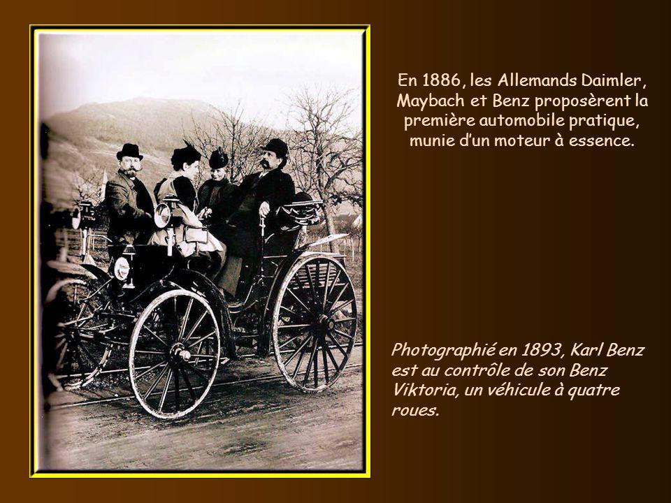 En 1886, les Allemands Daimler, Maybach et Benz proposèrent la première automobile pratique, munie d'un moteur à essence.