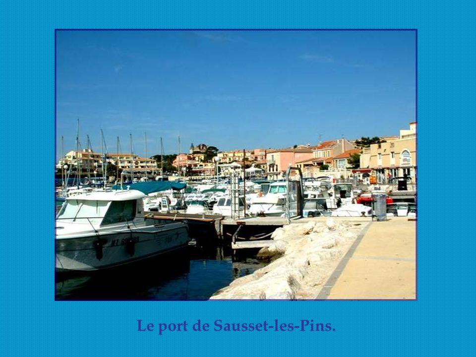 Le port de Sausset-les-Pins.