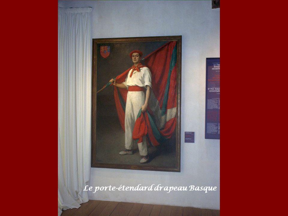 Le porte-étendard drapeau Basque