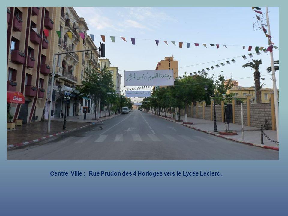 Centre Ville : Rue Prudon des 4 Horloges vers le Lycée Leclerc .