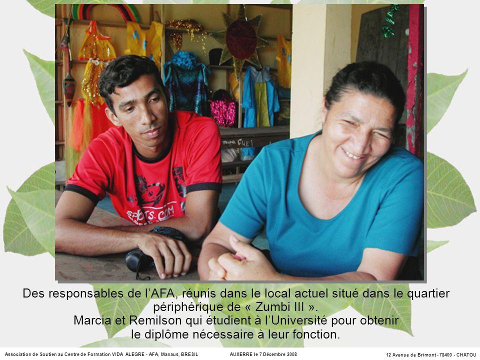 Marcia et Remilson qui étudient à l'Université pour obtenir
