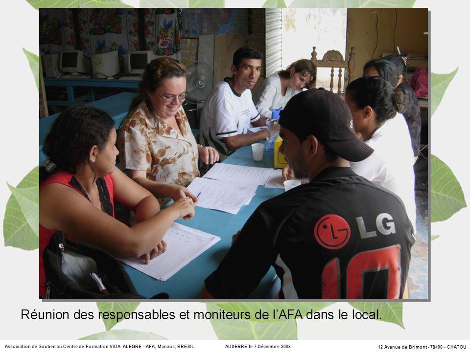 Réunion des responsables et moniteurs de l'AFA dans le local.