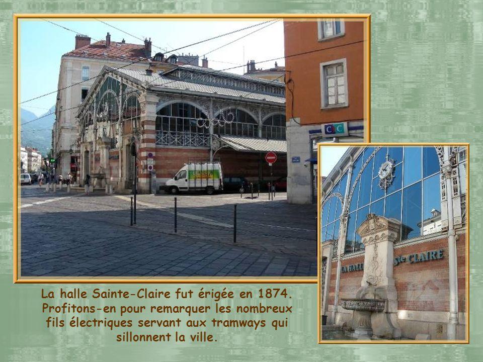 La halle Sainte-Claire fut érigée en 1874