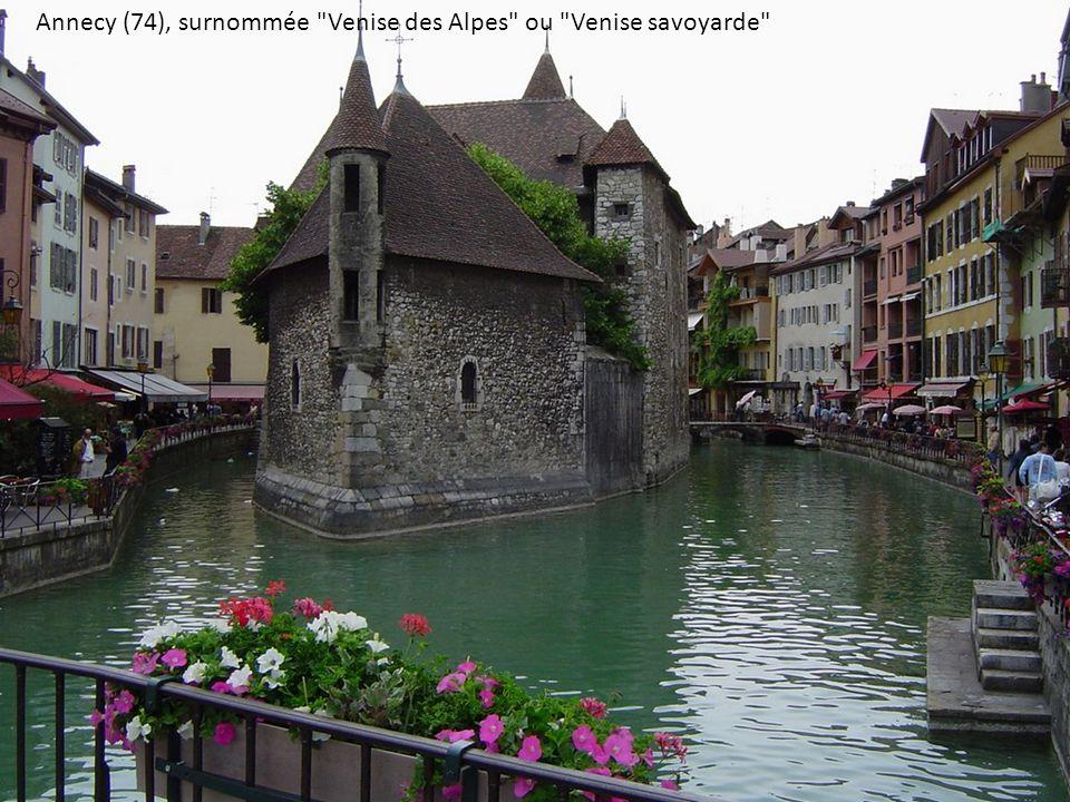 Annecy (74), surnommée Venise des Alpes ou Venise savoyarde