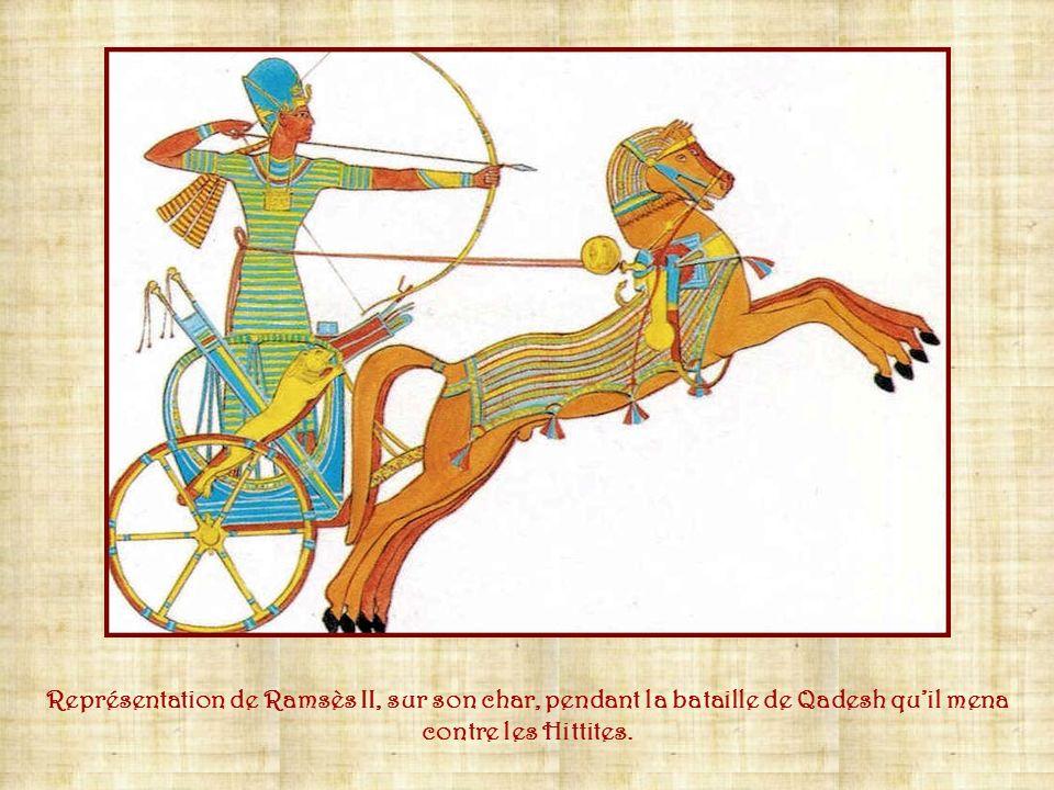 Représentation de Ramsès II, sur son char, pendant la bataille de Qadesh qu'il mena contre les Hittites.
