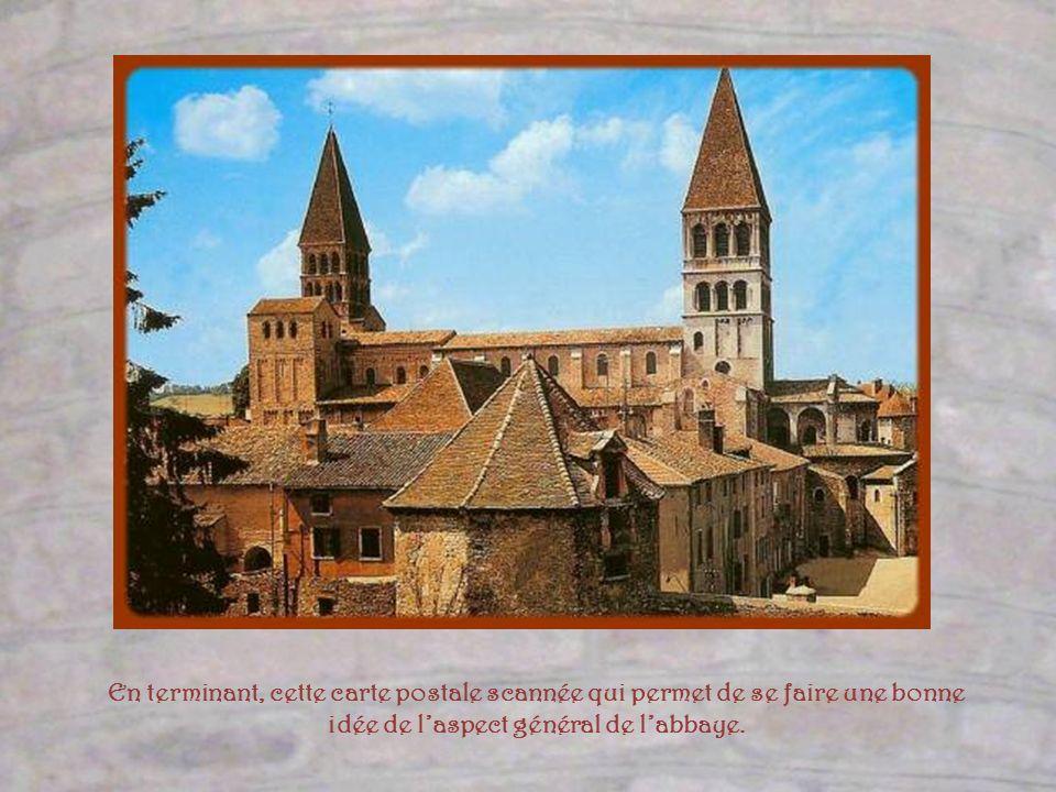 En terminant, cette carte postale scannée qui permet de se faire une bonne idée de l'aspect général de l'abbaye.