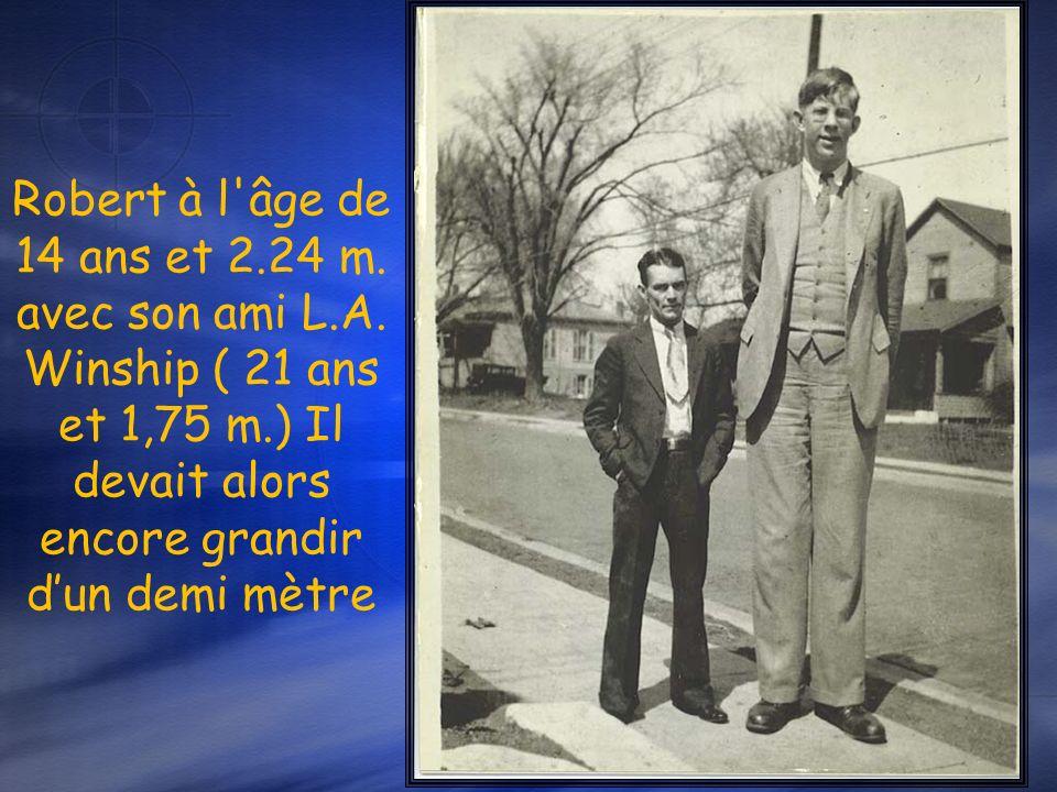 Robert à l âge de 14 ans et 2. 24 m. avec son ami L. A