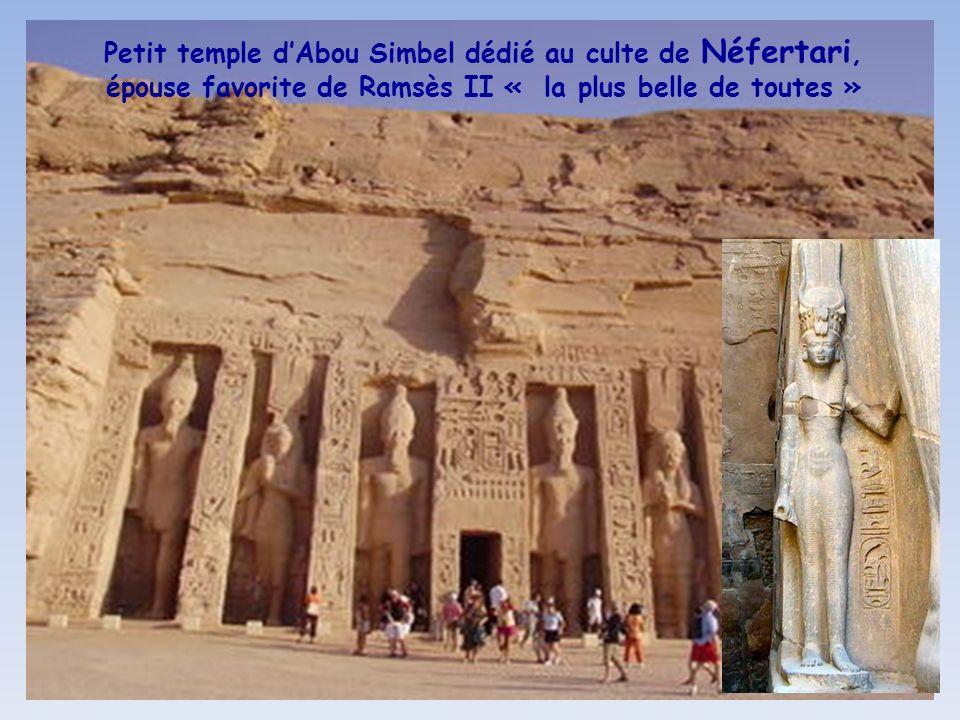 Petit temple d'Abou Simbel dédié au culte de Néfertari, épouse favorite de Ramsès II « la plus belle de toutes »