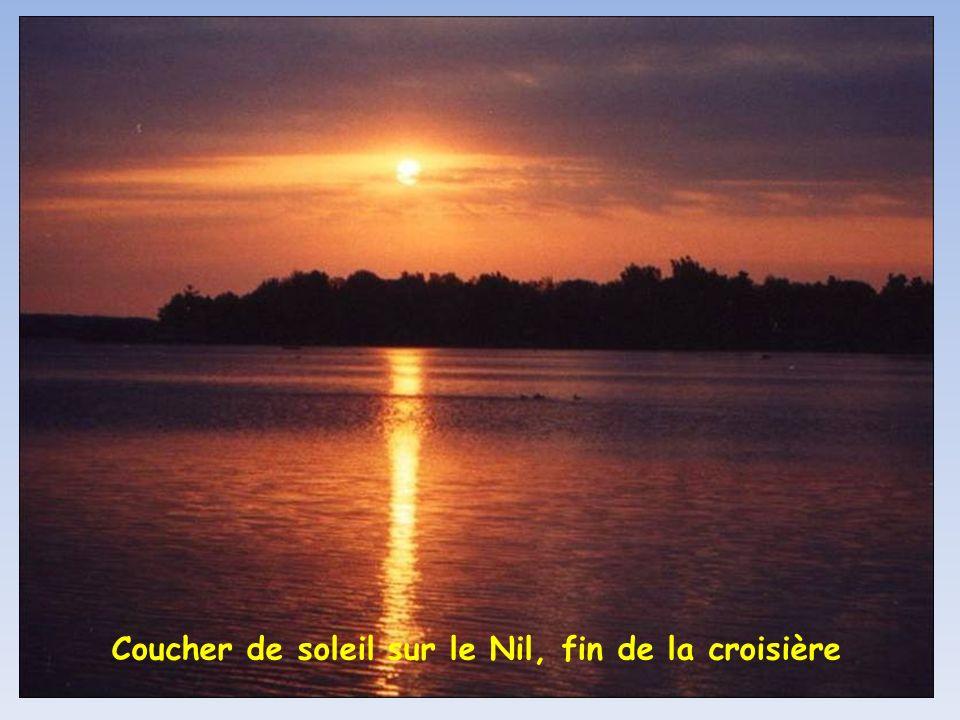 Coucher de soleil sur le Nil, fin de la croisière