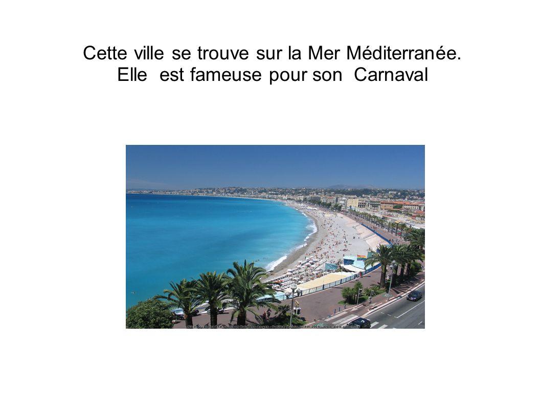 Cette ville se trouve sur la Mer Méditerranée