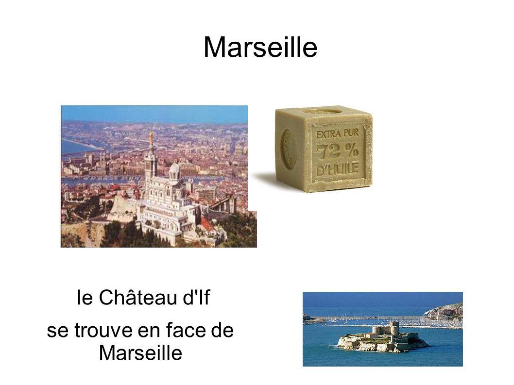 se trouve en face de Marseille