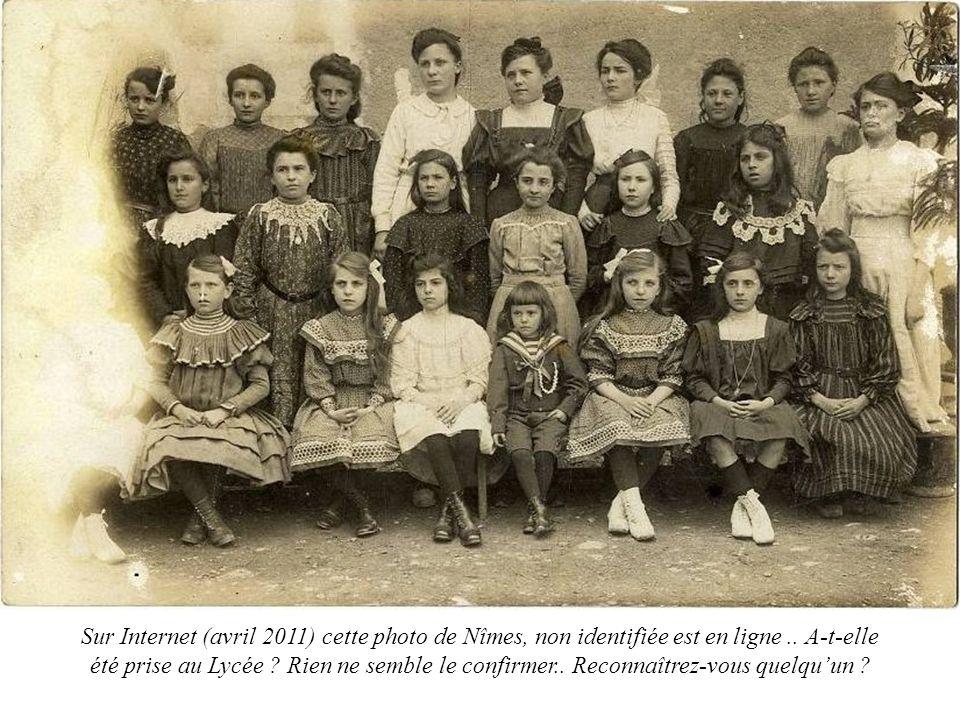 Sur Internet (avril 2011) cette photo de Nîmes, non identifiée est en ligne ..
