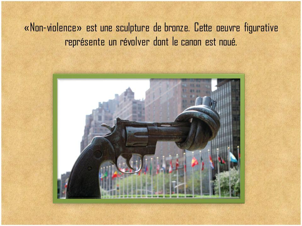 «Non-violence» est une sculpture de bronze