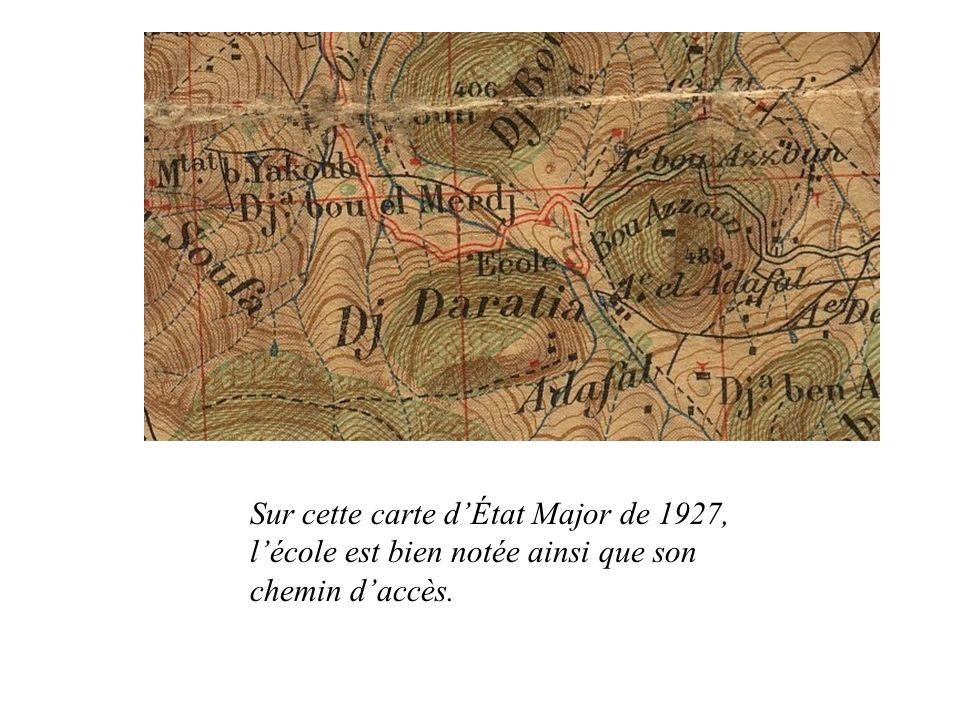 Sur cette carte d'État Major de 1927, l'école est bien notée ainsi que son chemin d'accès.