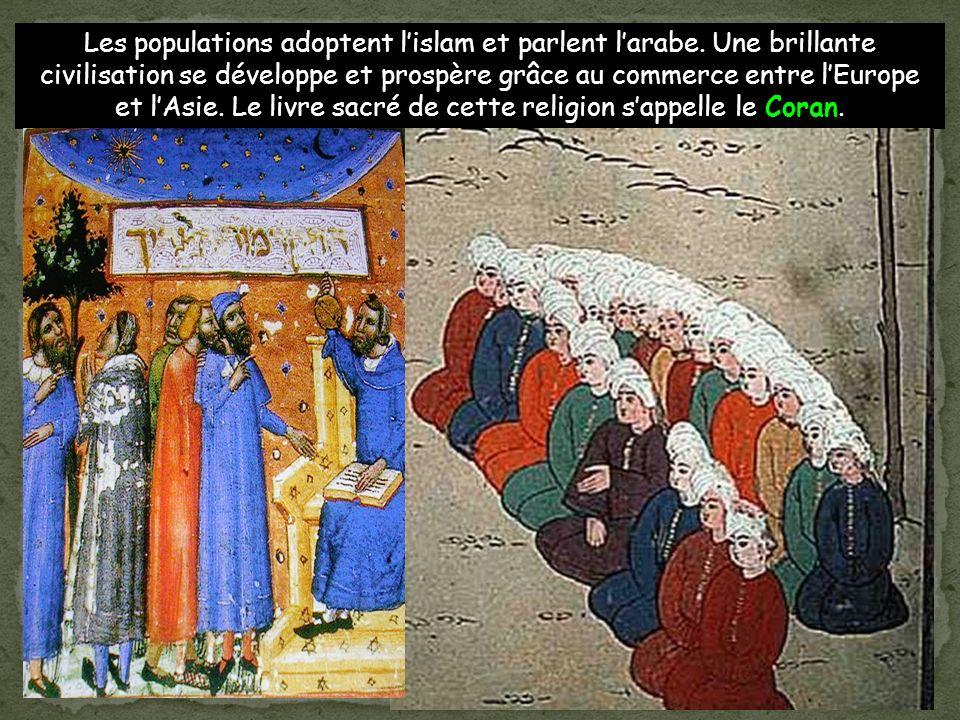Les populations adoptent l'islam et parlent l'arabe