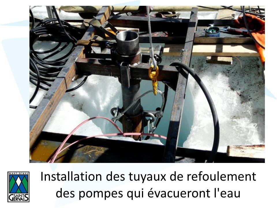 Installation des tuyaux de refoulement des pompes qui évacueront l eau
