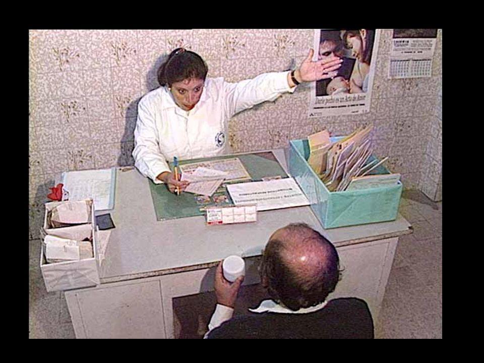 Le plus grand risque en laboratoire implique la collection déchantillons d'expectorations. La préparation des frottis offrent moins de risques au technicien de laboratoire que le contact direct avec une toux.
