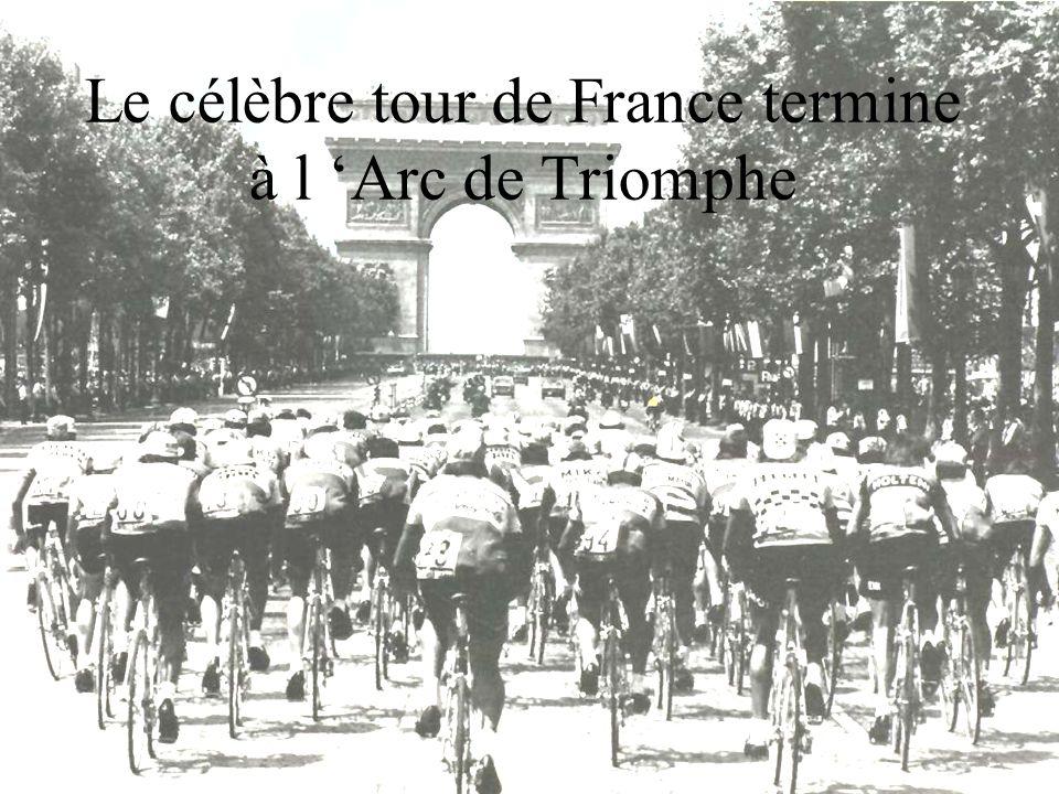 Le célèbre tour de France termine à l 'Arc de Triomphe