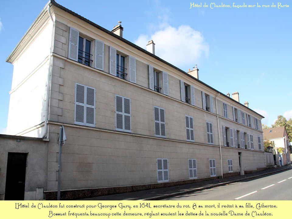 Hôtel de Mauléon, façade sur la rue de Paris