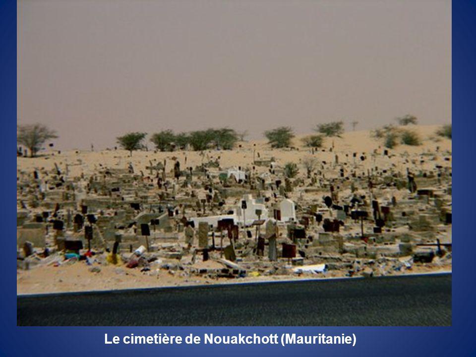 Le cimetière de Nouakchott (Mauritanie)