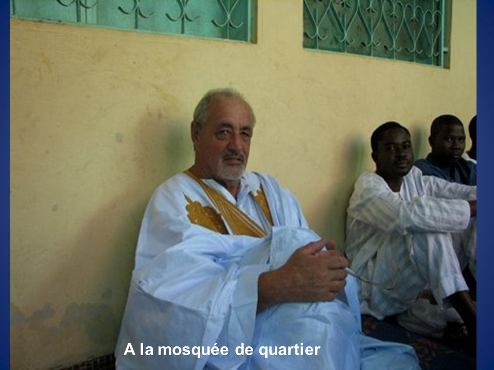 A la mosquée de quartier