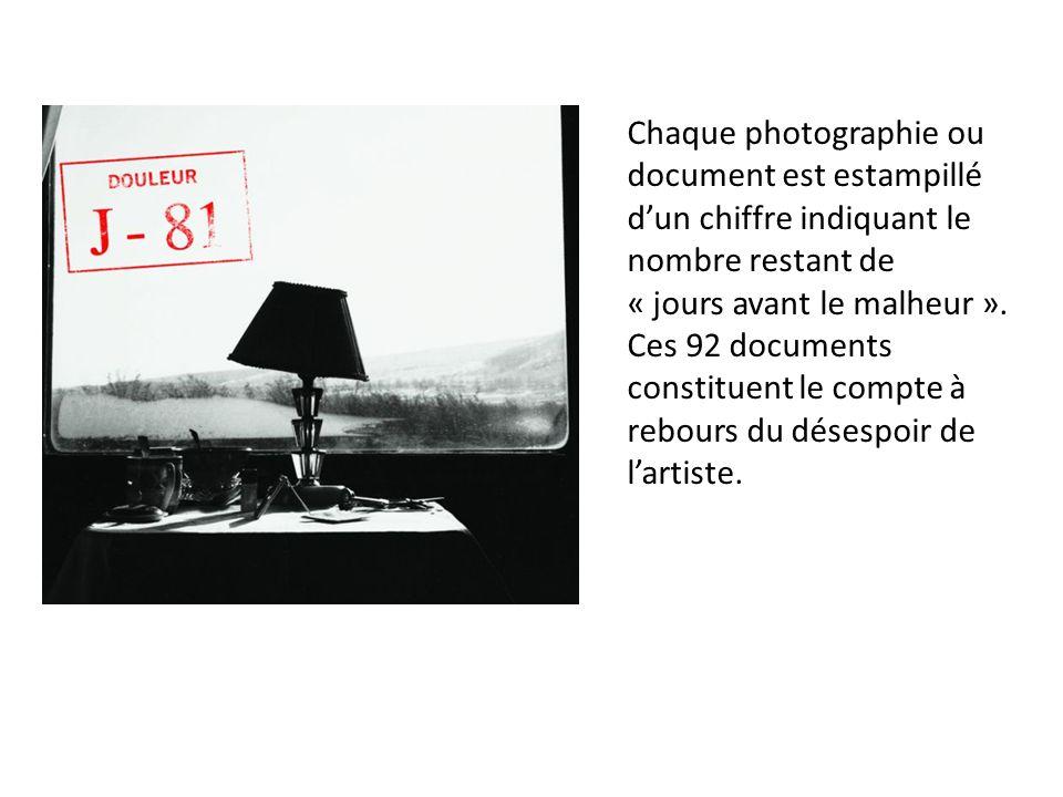 Chaque photographie ou document est estampillé d'un chiffre indiquant le nombre restant de