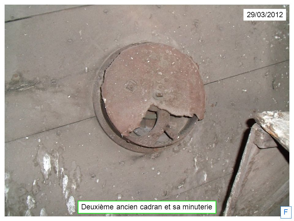 Deuxième ancien cadran et sa minuterie