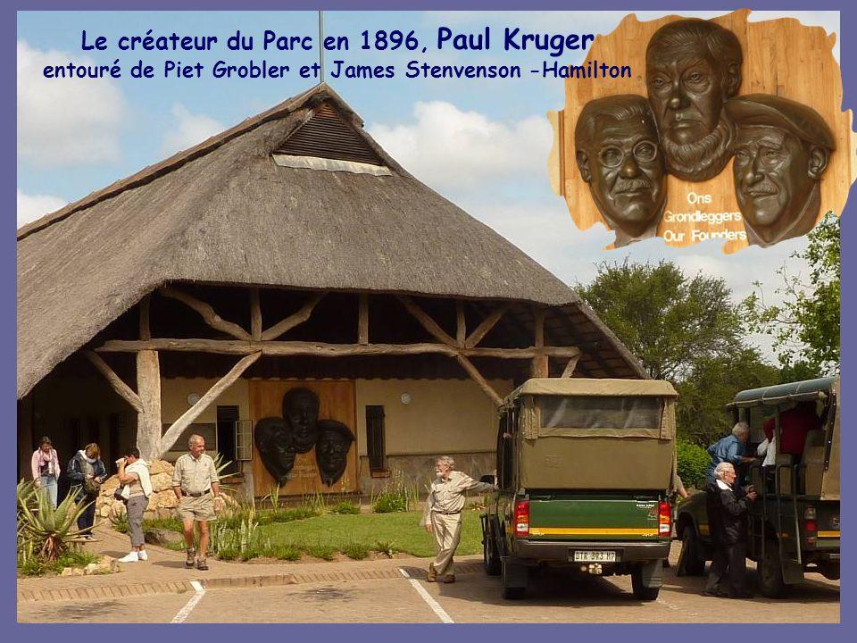 Le créateur du Parc en 1896, Paul Kruger entouré de Piet Grobler et James Stenvenson -Hamilton
