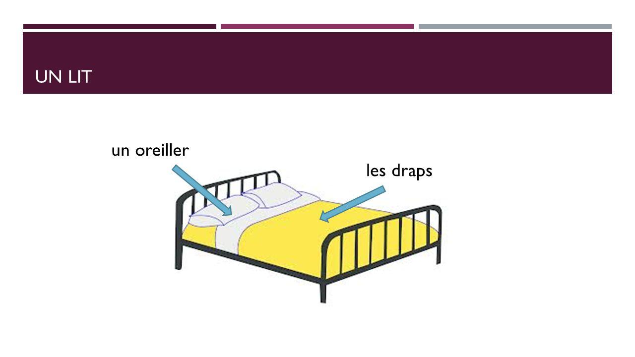 Un Lit un oreiller les draps