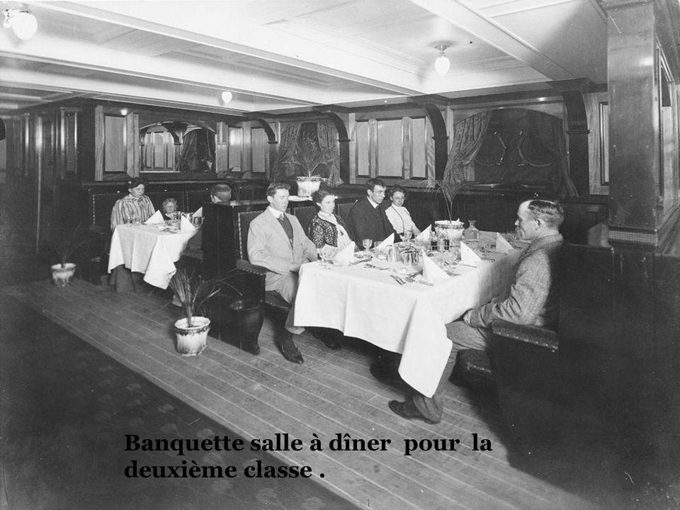Banquette salle à dîner pour la deuxième classe .