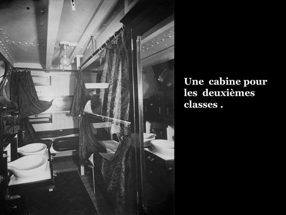 Une cabine pour les deuxièmes classes .
