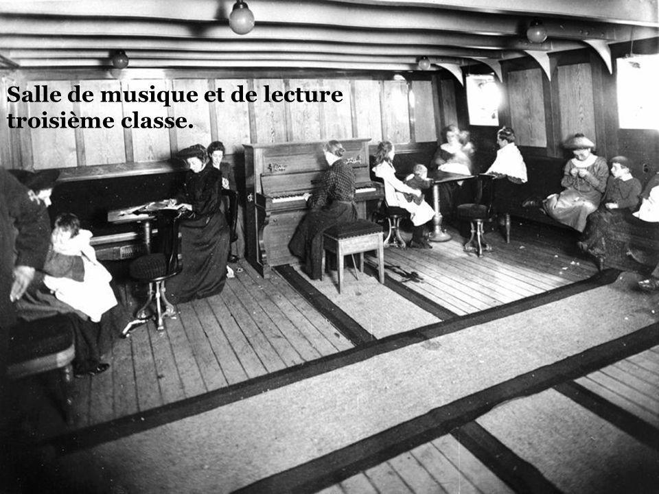 Salle de musique et de lecture