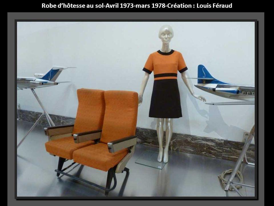 Robe d'hôtesse au sol-Avril 1973-mars 1978-Création : Louis Féraud