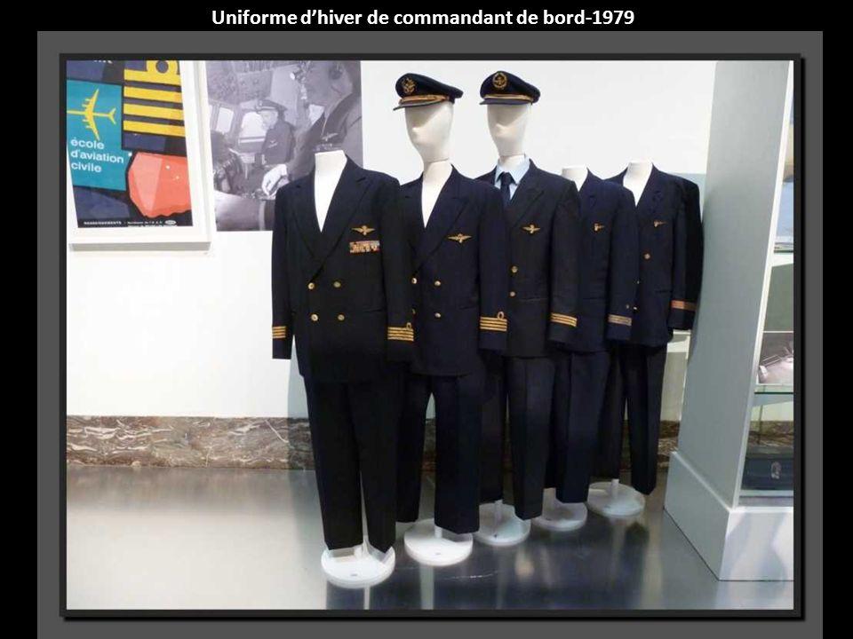 Uniforme d'hiver de commandant de bord-1979