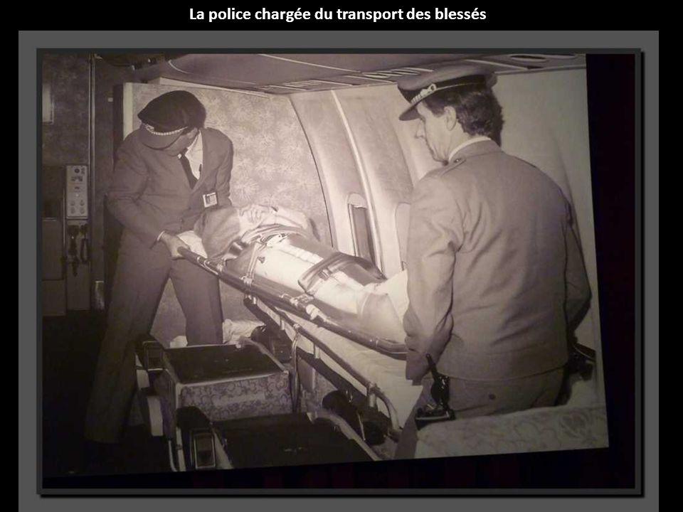 La police chargée du transport des blessés